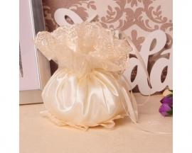 Сумочка невесты молочная с кружевом 000611