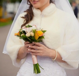 Свадебная шубка ЭКОНОРКА цвет айвори р. 42-44, р.46 02009