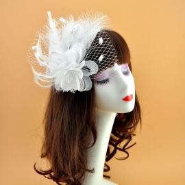 Свадебная вуалетка с пухом и цветком белая 002529