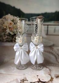 """Свадебные бокалы """"Анастасия"""" белые 2 шт 23 см 002890"""