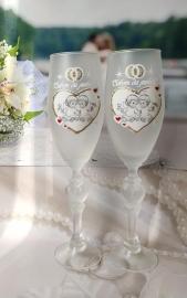 """Свадебные бокалы """"Ангелочки""""  белые 2 шт 23см 002551"""