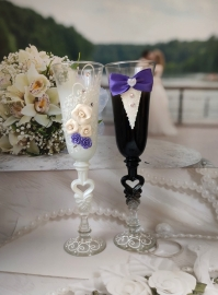 фужеры на свадьбу женихи невеста с фиолетовым декором
