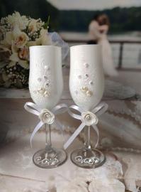 Свадебные бокалы глянцевые цвет белый 2шт. 000605