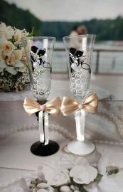 """Свадебные бокалы """"Молодожены""""с бежевыми бантами 2шт 23см 001420"""