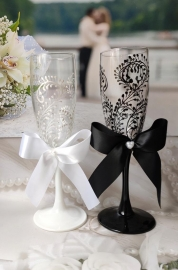 Свадебные бокалы ручной работы  Жених и Невеста с бантами 19см 2шт. 000019