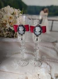 малиновые сваденые окалы с камеями фото