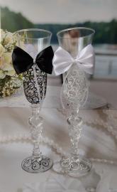 Свадебные бокалы Жених и Невеста с бантиками 2 шт. 000287
