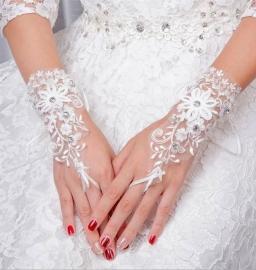 """Свадебные перчатки """" Нежность"""" кружевные митенки цвет молочный 000012"""