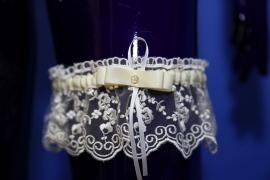 подвязка невесты айвори