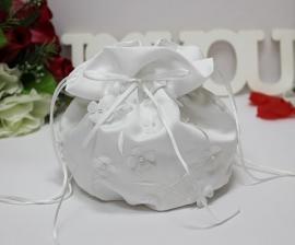 Свадебные сумочки для невесты белые с цветочками  002860