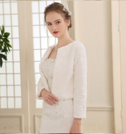 Свадебный пиджак буклированный из легкого меха, цвет молочный р.42-44 02005