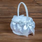 атласные белые корзинки для лепестков роз фото