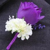 бутоньерка фиолетово-белая фото