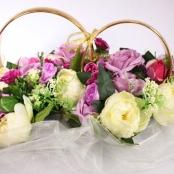 кольца на машину с сиреневыми розами и пионами айвори
