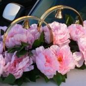 кольца с розовыми пионами на машину купить