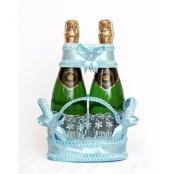голубая корзиночка для свадебных бутылок
