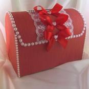красные свадебные коробки фото