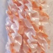 персиковые украшения на машину фото