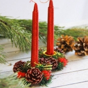 новогодние свечи с подсвечниками красные фото