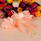 персиковая свадебная подвязка фото