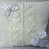 белая подушечка для колец фото