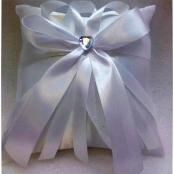 подушечка для колец белая с белым бантом