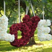 подвесные буквы из цветов