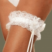белая свадебная подвязка стрейч