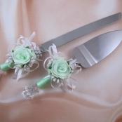 приборы для свадебного торта мятные фото