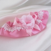 розовая подвязка фото