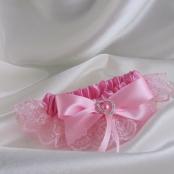 розовая подвязка невесты фото
