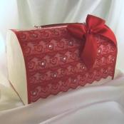 коробка для денег красная фото