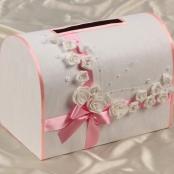 розовый сундук для денег фото