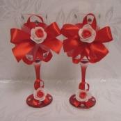красно-белые свадебные бокалы фото