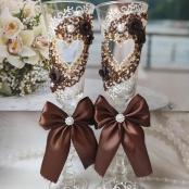 коричневые свадебные бокалы с сердцами фото