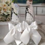 свадебные бокалы с фигурами жених невеста фото