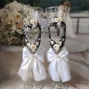 черно-белые свадебные фужеры фото