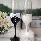 бокалы на свадьбу белые жених и невеста фото