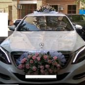 розовые розы свадебные на машину