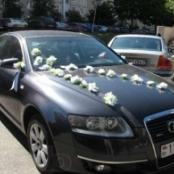 украшение на машину, цветы на присосках на машину