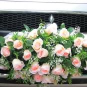 уккрашение на радиаторную решетку автомобиля из роз