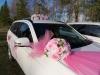 розовые букеты на машину картинка