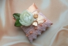 персиковая подушечка с пионом
