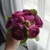 букет дублер фиолетовый из ранункулюсов фото